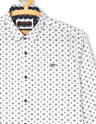 Ed Hardy Spread Collar Printed Shirt