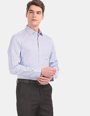 Arvind Men White And Blue Regular Fit Printed Casual Shirt