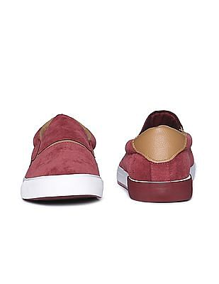 Aeropostale Contrast Outsole Canvas Slip On Shoes