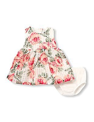 The Children's Place Baby Sleeveless Rose And Check Print Cut-Out Back Woven Dress And Bloomers Set