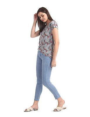 SUGR Blue Mid Rise Washed Jeans