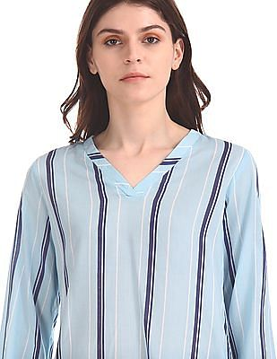 U.S. Polo Assn. Women Vertical Stripe V-Neck Top